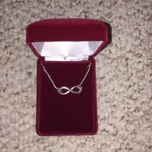 Beautiful necklace with box